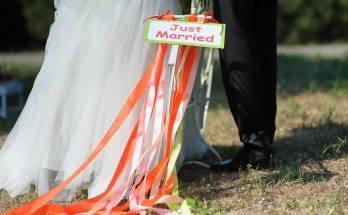 versiering bruiloft buiten